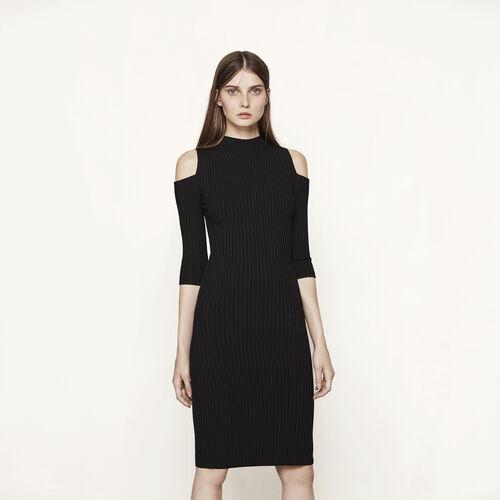 Figurbetontes Kleid mit freien Schultern - Kleider - MAJE