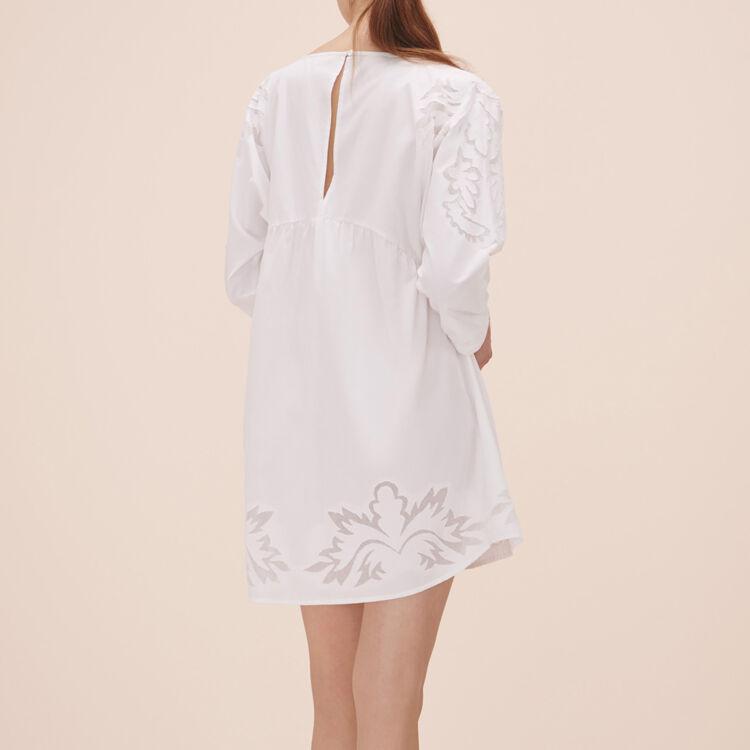 Lockeres Kleid mit Stickereien - Kleider - MAJE