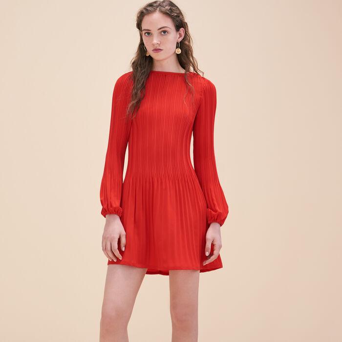 Blusenkleid aus plissiertem Krepp - Kleider - MAJE