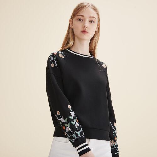 Sweatshirt mit Stickereien - Strickwaren - MAJE
