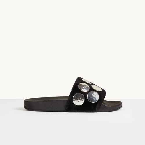 Pantoletten aus Wildleder mit Details - Schuhe - MAJE