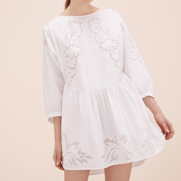 Lockeres Kleid mit Stickereien -  - MAJE
