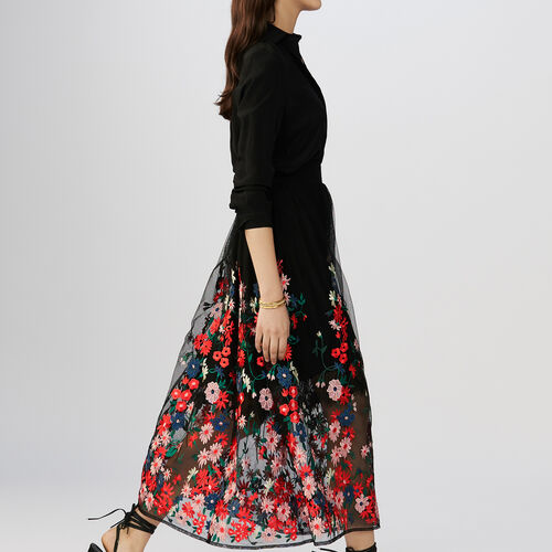 Skirt in mesh with flowers embroideries : Röcke & Shorts farbe Schwarz