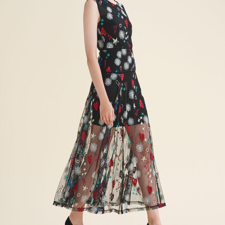 Langes Kleid mit All-over-Stickerei : Robes farbe Jacquard