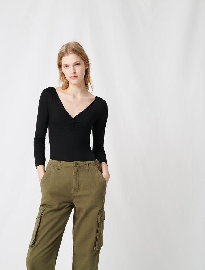 Schwarzer Body mit V-Ausschnitt - T-Shirts - MAJE