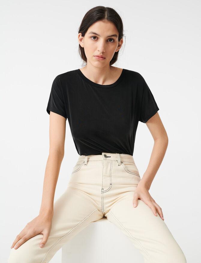 T-Shirt aus Cupro mit Rückenausschnitt -  - MAJE