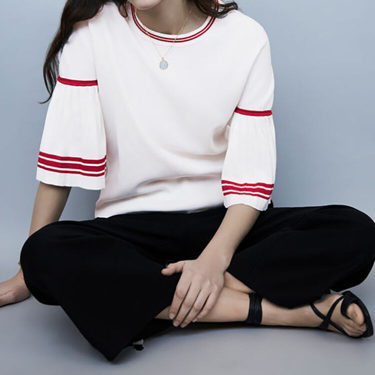Feiner Pullover mit Faltenärmeln : Strickwaren farbe Weiss