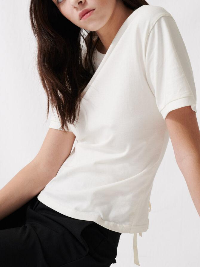Ecrufarbenes T-Shirt mit Rückenschnürung - T-Shirts - MAJE