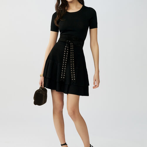 Skirt with ruffles and short sleeves : Kleider farbe Schwarz