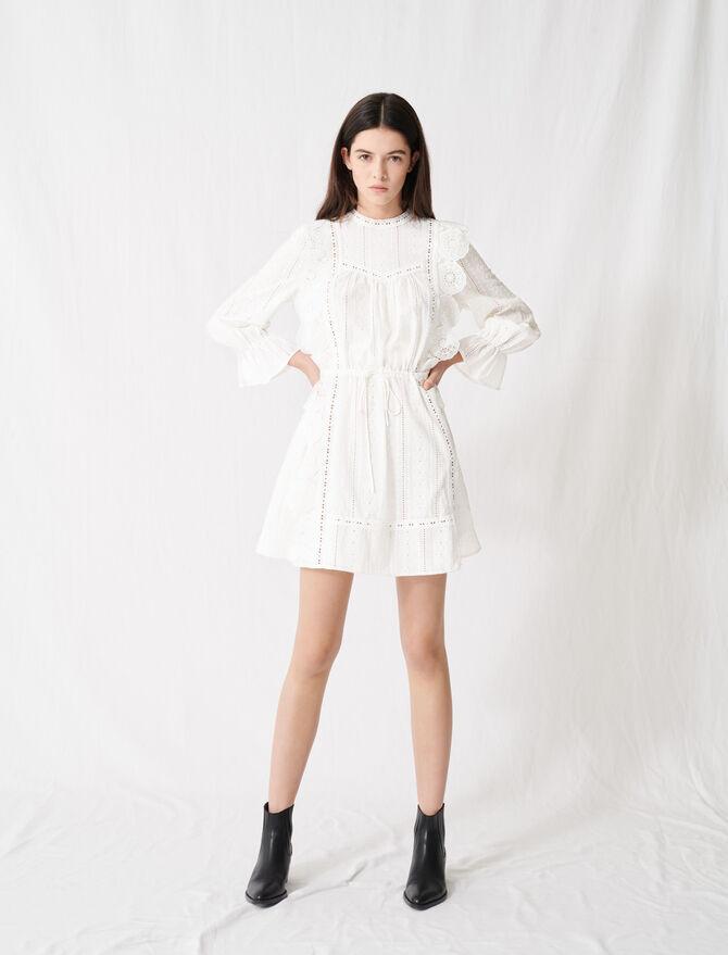 Weißes Kleid mit Lochstickerei - Kleider - MAJE