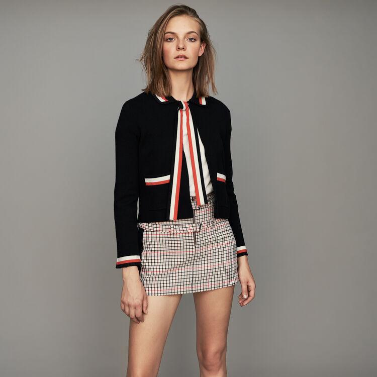 Short cardigan with contrasting stripes : Strickwaren farbe Schwarz