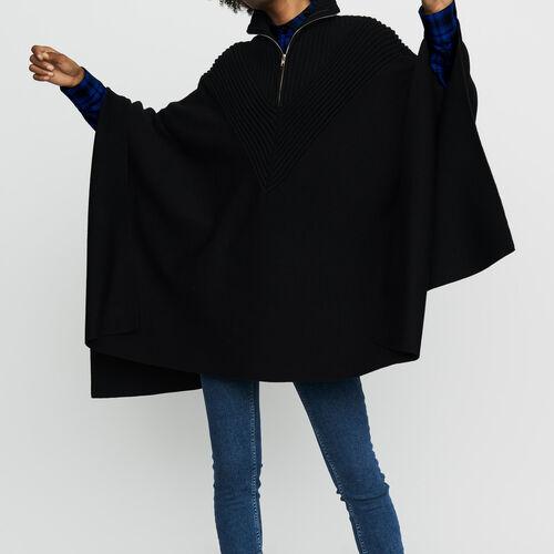 Strick-Poncho mit Stehkragen : Strickwaren farbe Schwarz