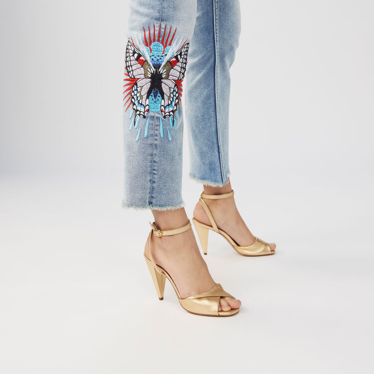 Ausgestellte Jeans mit Stickereien : Jeans farbe Denim