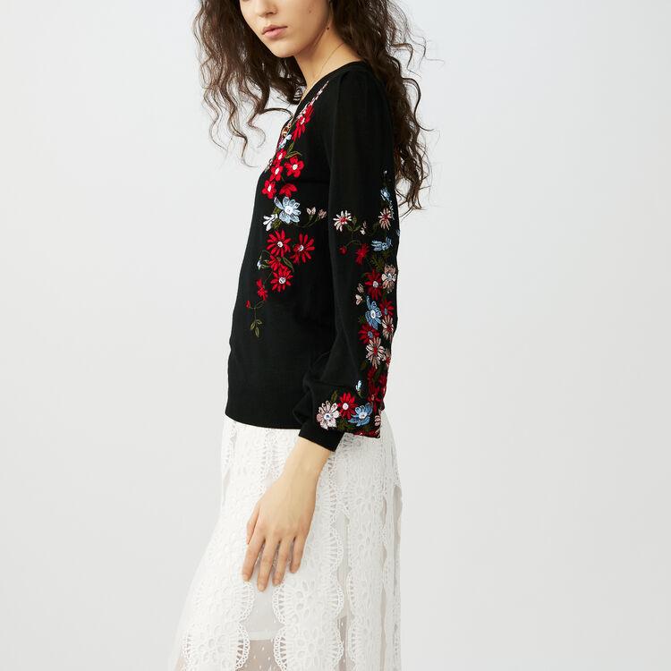 Feiner Pullover mit Stickereien : Strickwaren farbe Schwarz