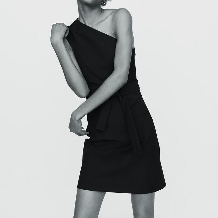 Kurzes Kleid mit asymmetrischen : Kleider farbe Schwarz
