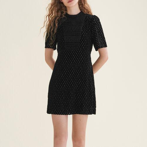 Kurzes Kleid mit Plastron - Kleider - MAJE