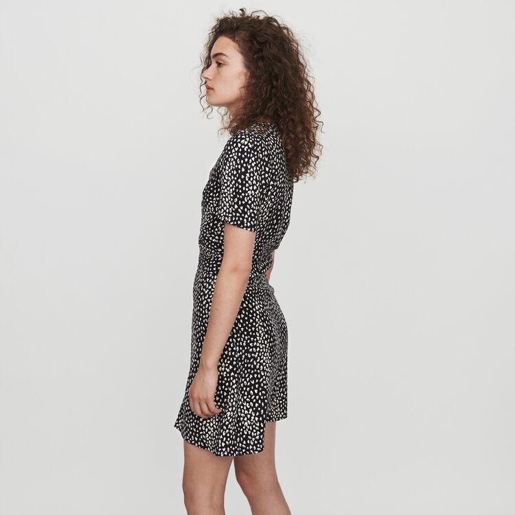 Gerafftes Kleid mit Jacquard Print : Kleider farbe Schwarz