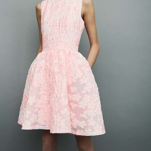 Dress with pink details : Kleider farbe Rosa