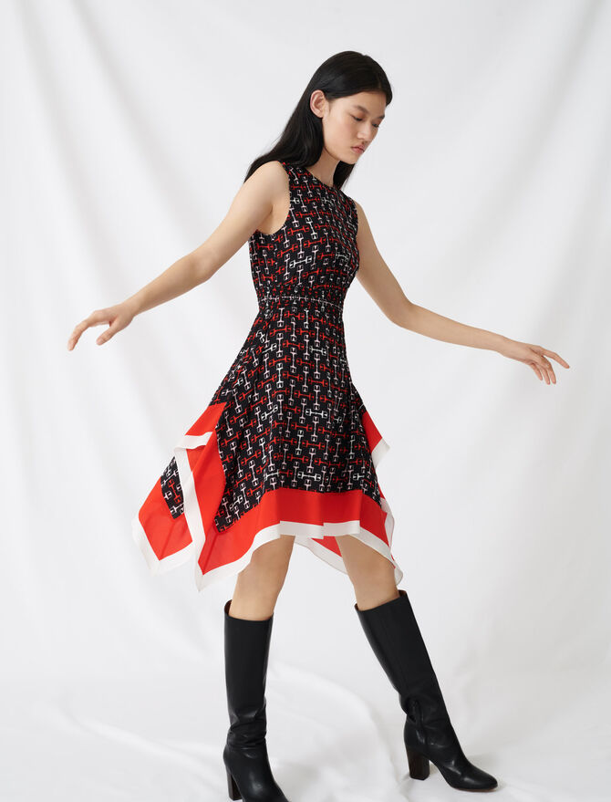 Gesmoktes Kleid aus Satin mit Print - Kleider - MAJE