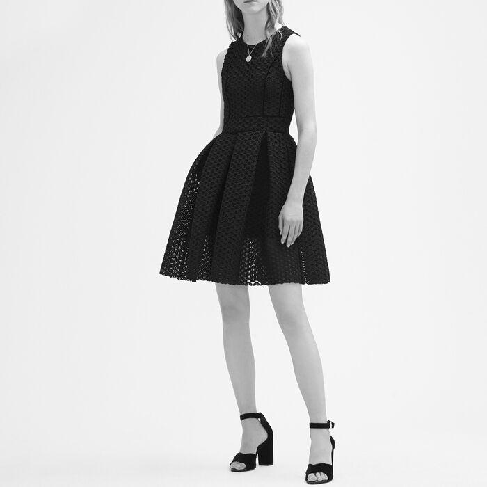 Ärmelloses Kleid aus technischem Strick - Kleider - MAJE