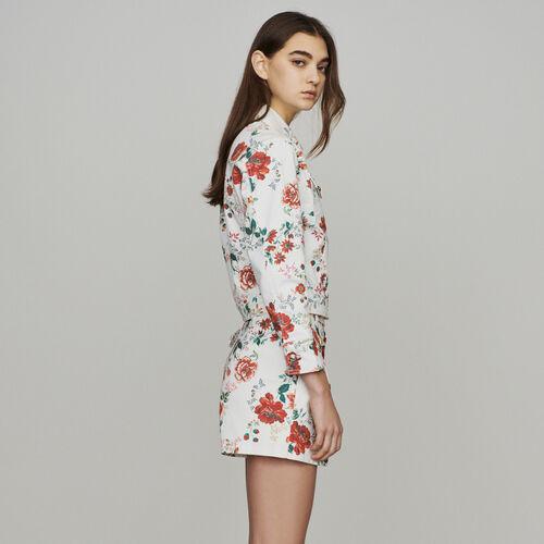Jeansjacke mit Blumendruck : Mäntel & Jacken farbe IMPRIME