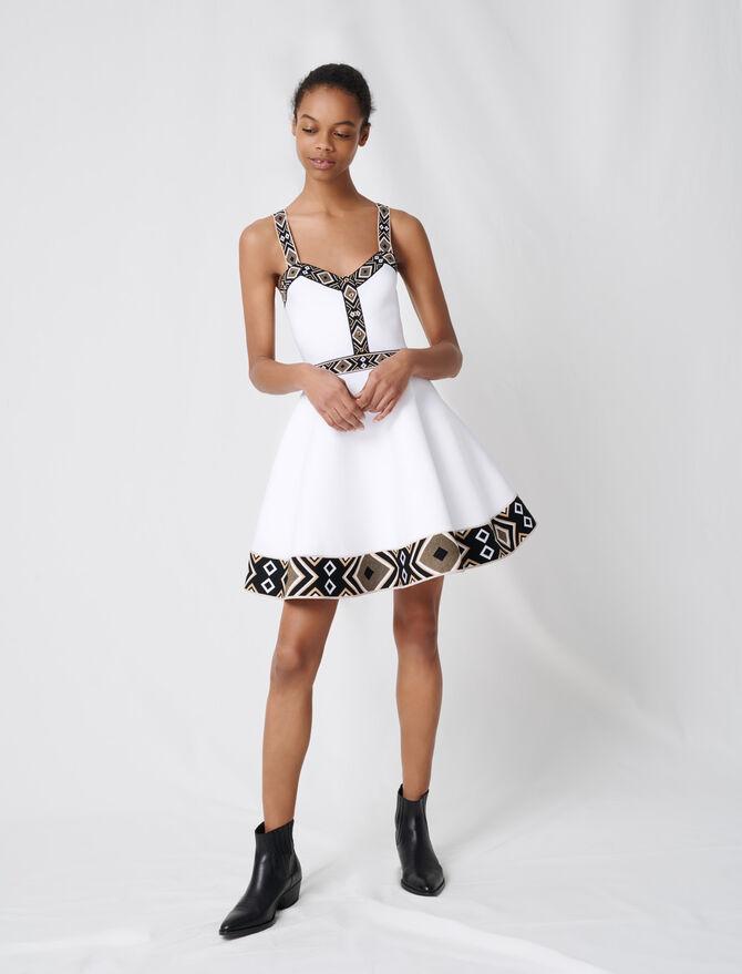 Weißes Skaterkleid aus Strickmaterial - Kleider - MAJE