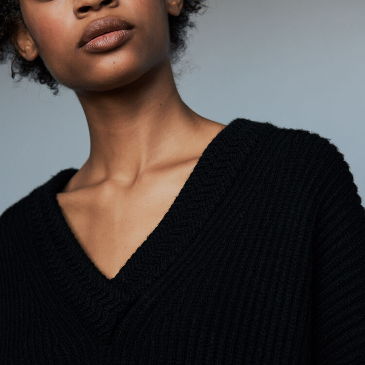 Long-sleeved, V-neck sweater : Strickwaren farbe Schwarz