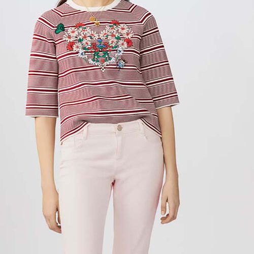 Striped jumper with embroideries : Strickwaren farbe Gestreift