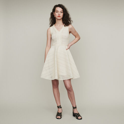 Ärmelloses Kleid aus dichtem Strick : Kleider farbe ECRU