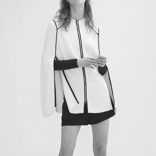 Strickcape mit Kontrastdetails : Pullover und Cardigans farbe Weiss