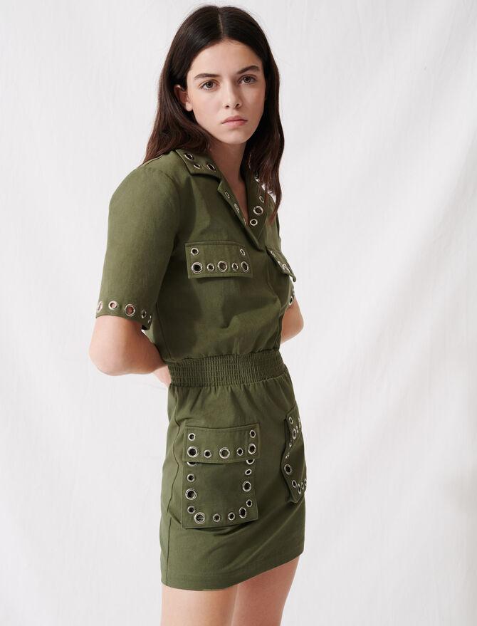 Khakifarbenes Safari-Kleid mit Nieten - Kleider - MAJE