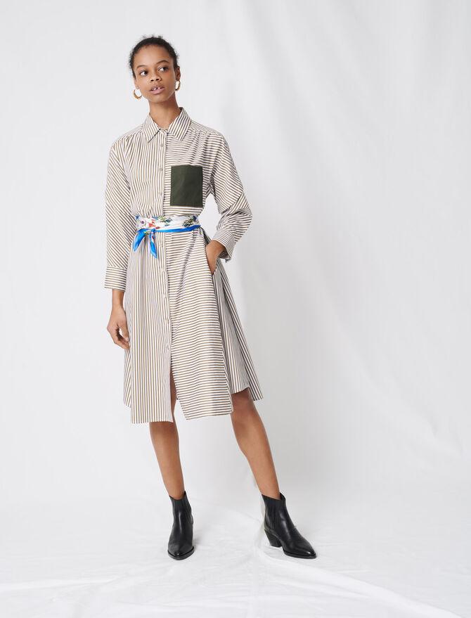 Gestreiftes Hemdkleid mit Kontrastgürtel - Kleider - MAJE