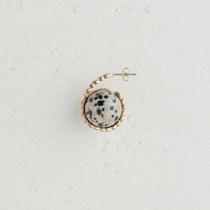Linker Ohrring mit Natursteinkugel : Schmuck farbe Off-White