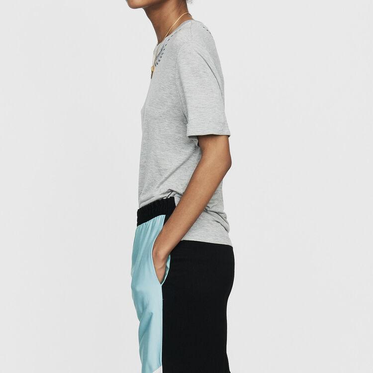 T-Shirt mit Stickerei : T-Shirts farbe Grau